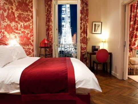 Chambre-rouge-Hôtel-Le-Royal-Lyon