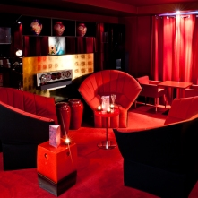 Salon Rouge apero chic Hôtel Le Royal Lyon