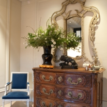 Le-Royal-Hotel-Lyon-commode-reception
