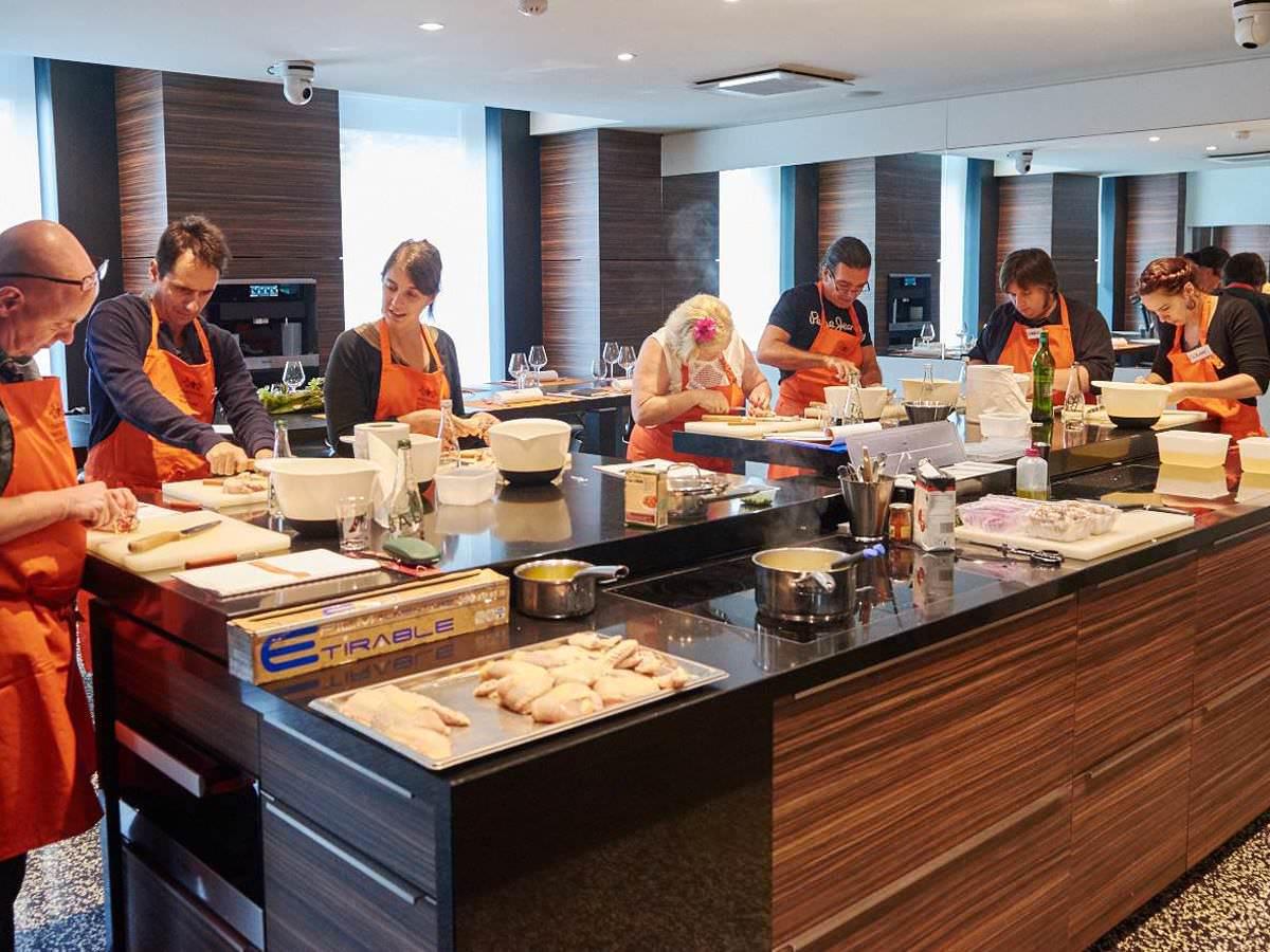 Le coffret gourmets de l h tel le royal lyon l ecole de cuisine gourmets blog h tel le - Cours de cuisine lyon bocuse ...