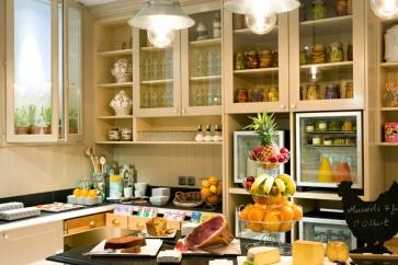 Le petit déjeuner à l'hôtel le royal lyon
