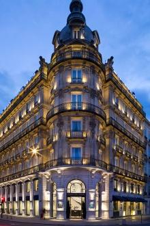 La facade de l'hotel le Royal Lyon