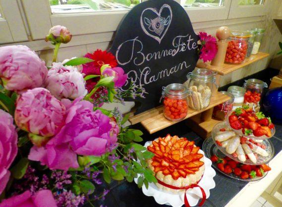 animation fraises à l'hôtel le royal lyon pour la fête des mères et des pivoines