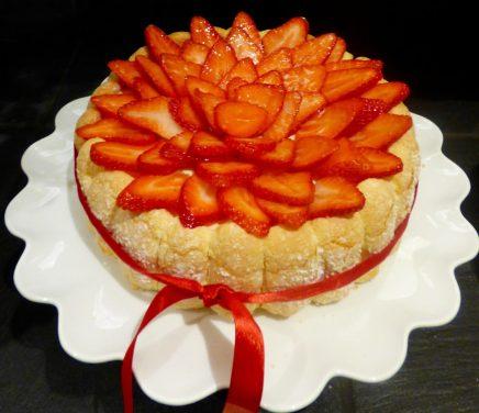 la charlotte aux fraises de l'hôtel le royal lyon pour la fête des mères