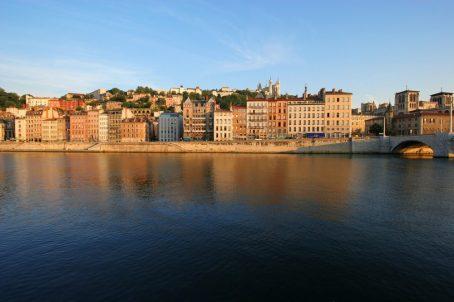 l'Hôtel Le Royal Lyon à l'heure des festivals d'été et les quais de saone