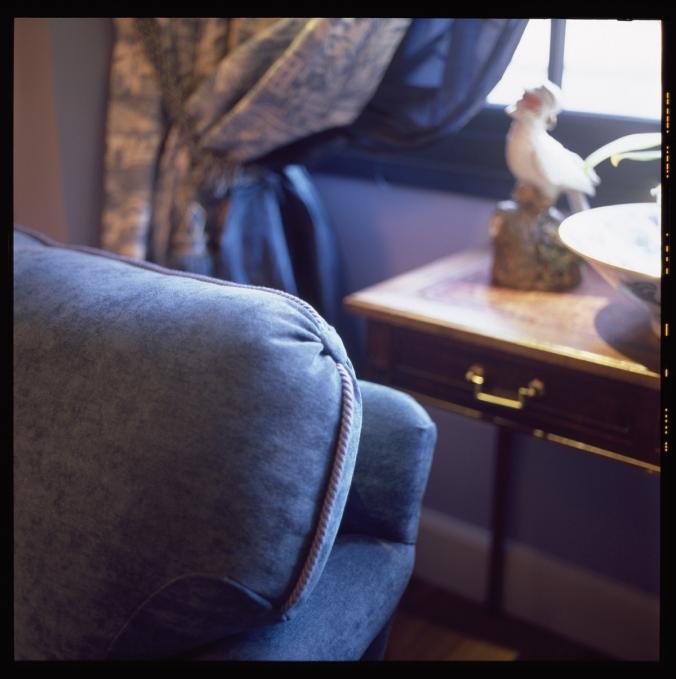 L'hôtel le Royal Lyon, une décoration tendance avec ses canapés du salon bleu