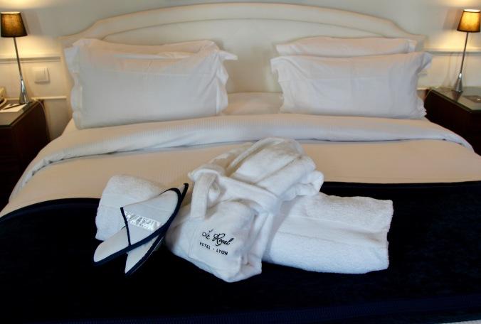 Un renouvellement du linge et des draps à l'hôtel le Royal Lyon